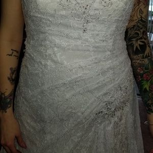 New wedding gown, never worn